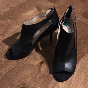 Black Cutout Heels - Nine West 8